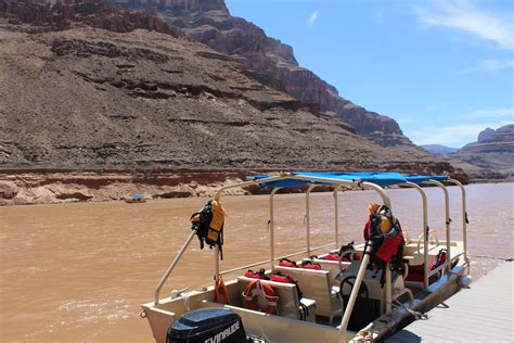 hoover dam boat tours grand canyon bus helicopter boat tour canyontours