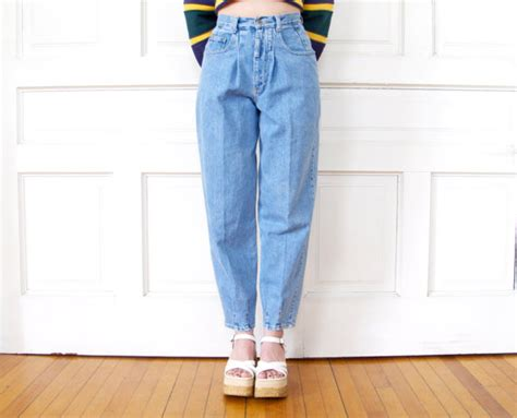 90s High Waisted Tapered Jeans / Women's Light Blue Denim