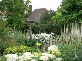 the white garden at sissinghurst a photo from kent