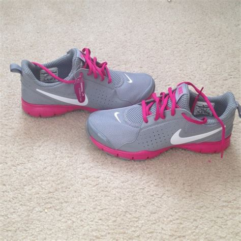 nike comfort footbed womens shoes 48 off nike shoes brand new grey and pink nike comfort