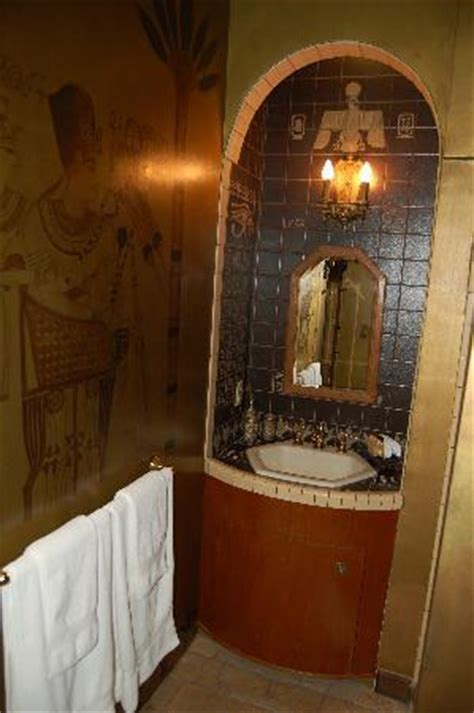 egyptian style bathroom the victorian mansion picture of the victorian mansion