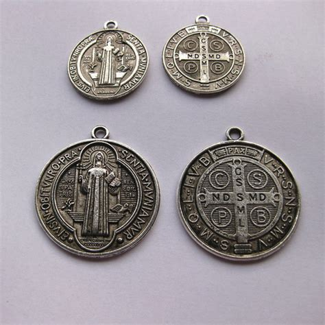 catholic religious gifts st st benedict holy medal