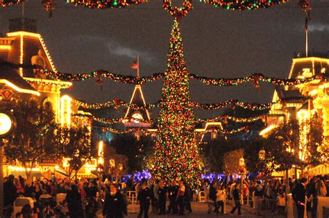 best 28 when does disney start decorating for christmas