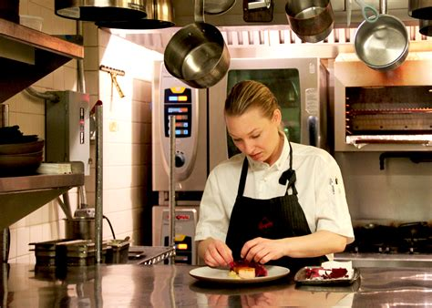 hot female chefs aquavit s emma bengtsson is 1 of 3 female chefs with 2