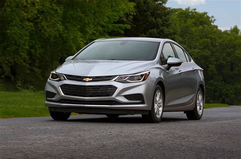 new chevrolet 2018 2018 chevrolet cruze reviews and rating motor trend