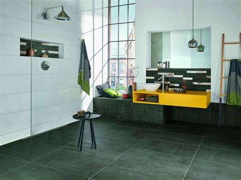 fliesen boden bad der loft stil f 252 rs bad mit fliesen in beton oder zementlook