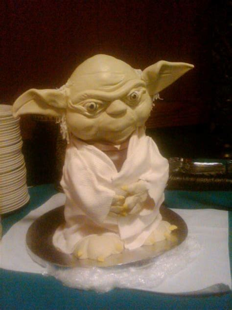 17 Best images about Yoda Cakes on Pinterest   Party