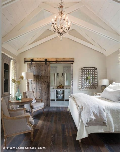 cathedral ceiling curtains 25 best ideas about cathedral ceiling bedroom on