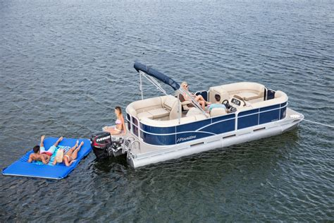 22 pontoon boat 2018 manitou 174 aurora 20 to 22 basic pontoon boat photos