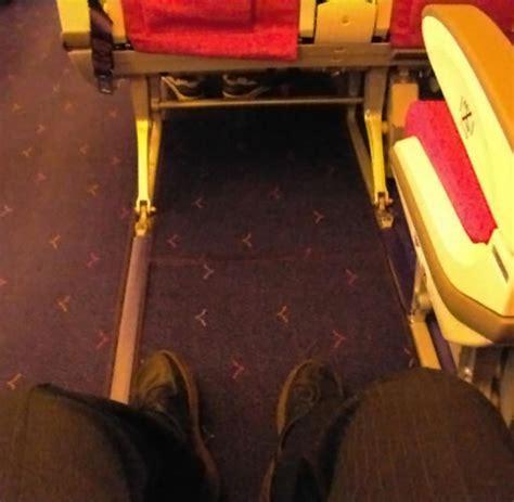 wann kann sitzplã tze im flugzeug reservieren sitze im flugzeug so 252 berleben sie in der economy class