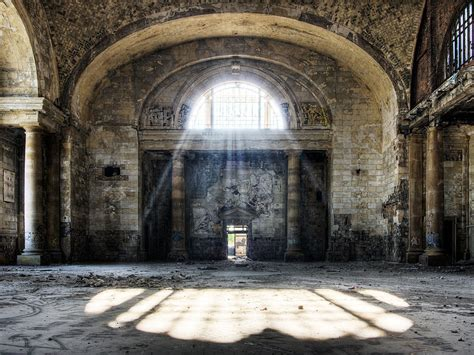 forgotten places 31 haunting images of abandoned places that will give you