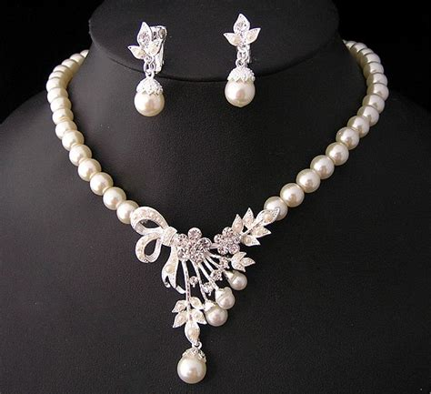 Pearl Necklace Jewelry Designs 2014 for Girls   Fashion Fist (4)   Fashion Fist