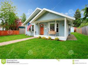 american small house classic american house stock photo image 39000892