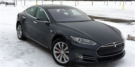 Tesla Motors P85d Popular Mechanics Review Tesla P85d On And Snow