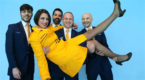 cabin crew opportunities ryanair careers