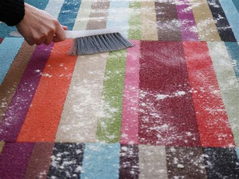 How To Clean A Throw Rug by How To Make Diy Carpet Cleaner Diy