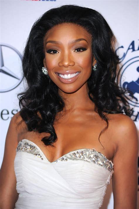 type of wavy hair brandy norwood wears brandy celebrity black hair styles pictures stylebistro