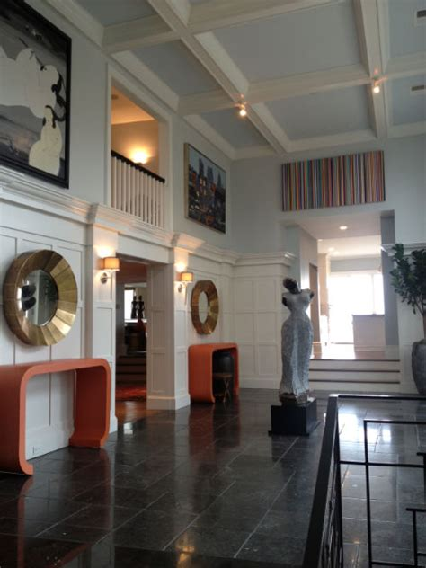 Hanging Pictures From Ceiling by Hanging In A Room With High Ceilings Archives Ilevel