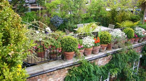 Fabulous Space Saving Designs For The Rooftop Garden Gardens Ideas