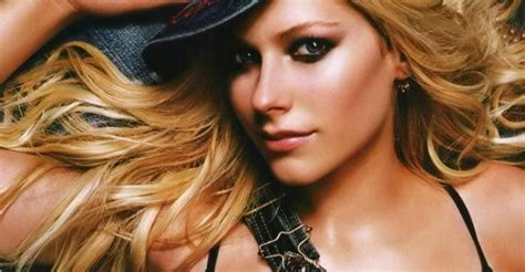 testo wish you were here avril lavigne avril lavigne smile backstage ufficiale canzoni web