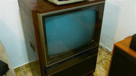 tv mitsubishi colorida vintage tc  entrada de audio