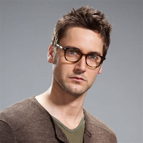 who plays lizzy on the black list ryan eggold as tom keen the cast pinterest nice