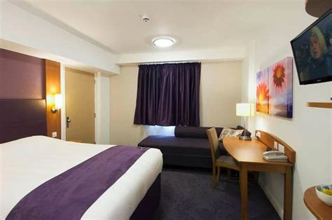 premier inn day room premier inn nottingham daybrook picture of