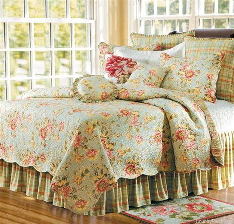 Ideas For Toile Quilt Design 17 Best Images About Bedroom M Bedding Ideas On Pinterest Quilt Sets Toile Bedding And Quilt