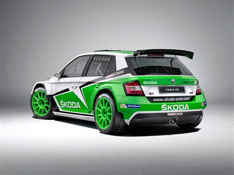 skoda fabia r5 shows its competition colors w