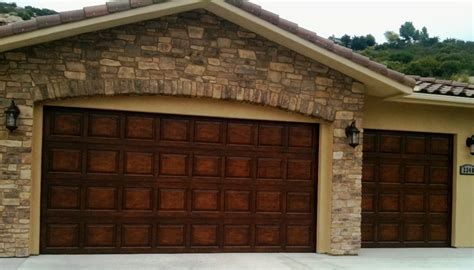 Wood Looking Garage Doors Plain Steel Builder Grade Garage Doors Stained To Look Like Real Wood The Whole Site Is