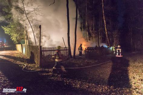 urlaub in einer waldh tte j 228 ger entkommen feuertod bei brand einer waldh 252 tte