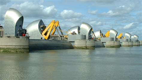 thames barrier used will the river thames scheme increase flood risk downstream