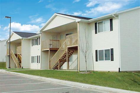 2 bedroom apartments cedar rapids iowa arrowridge shamrock apartments cedar rapids ia