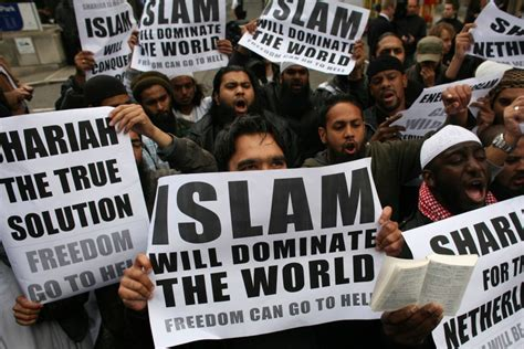 Kaos Go Muslim Islam Will Rule The World the extraordinary tourist writing about multiculturalism muslims and australian immigration