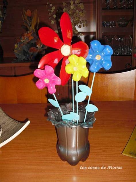 floreros con botellas de plastico flores y florero con botellas de pl 225 stico mi reciclaje