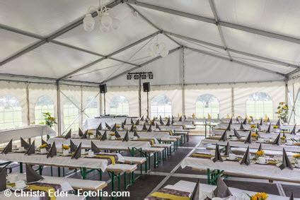 pavillon ausleihen pavillon oder partyzelt esstisch und tafelservice mieten