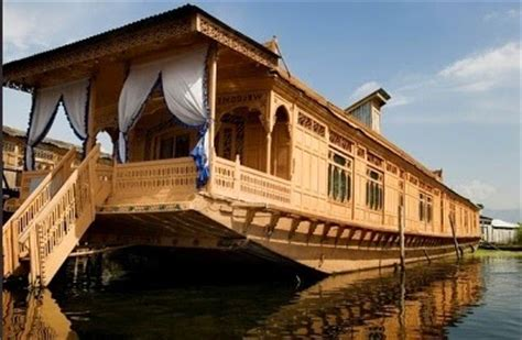 kashmir house boats discover india hotels resorts in srinagar jammu and
