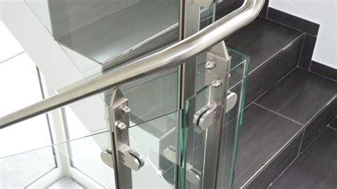 schiebetüren aus glas für innen treppenhausgel 228 nder