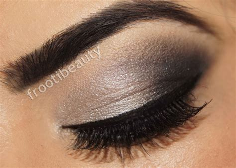 Eyeliner Silver frootibeauty july 2013