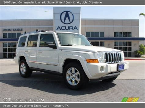 2007 White Jeep Commander White 2007 Jeep Commander Limited Khaki