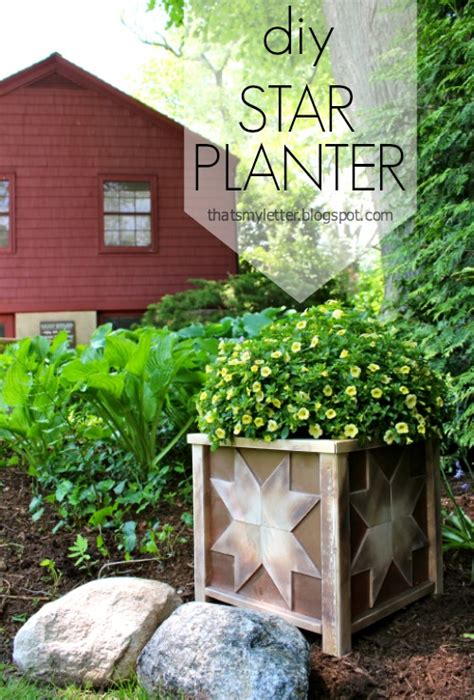 Flower Planter Designs by 12 Outstanding Diy Planter Box Plans Designs And Ideas