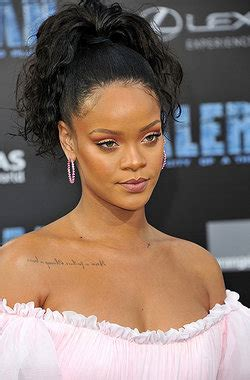 biography yourdictionary what are some facts about rihanna