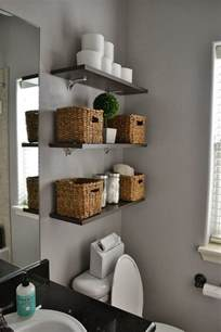 best 25 small bathroom decorating ideas on pinterest 30 quick and easy bathroom decorating ideas freshome com