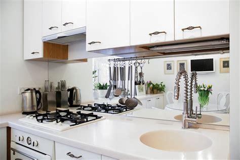 kitchen theme ideas for apartments tavasz sz 237 neivel dekor 225 lt kedves kis 33m2 es lak 225 s vid 225 m
