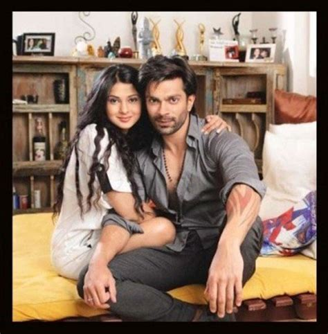it s official karan singh grover amp jennifer winget s