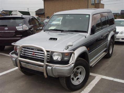 1997 Mitsubishi Pajero Images