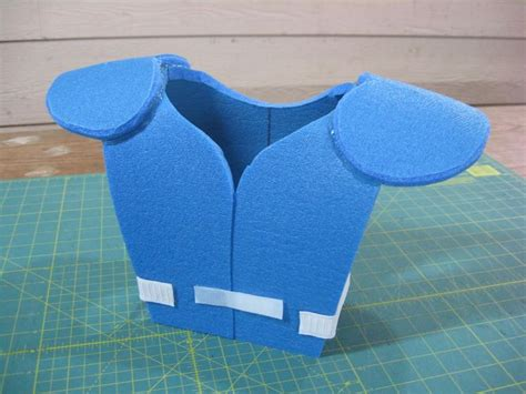 Senseo Pads Selber Machen by Diy Football Shoulder Pads For Kid S Costume