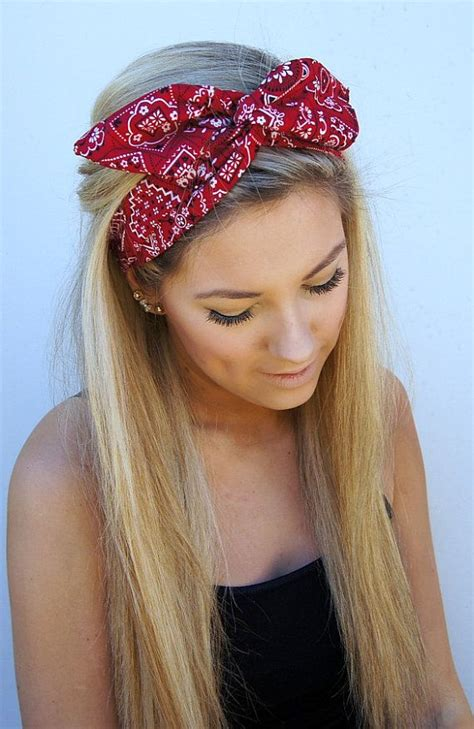 Hairstyles With Headband by 14 Glamorous Hairstyles With Headbands Pretty Designs
