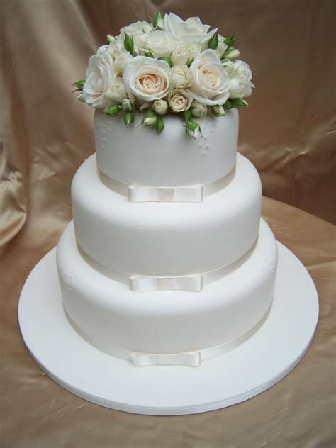 Fresh Flower Wedding Cake by The S Diary Canberra Fresh Flowers For Your Wedding