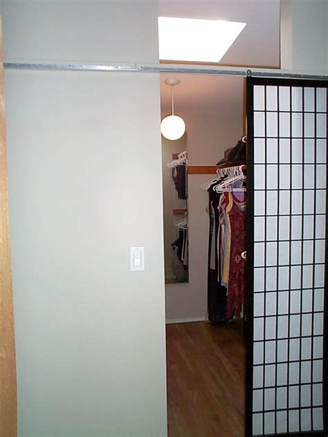 Closet Door Solutions Diy Inexpensive Closet Door Solution Murphy Bed